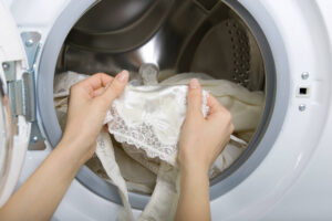 How to get bleach stain out of clothes